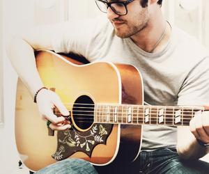 darren criss, glee, and guitar image