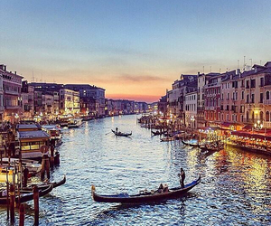 place and venice image