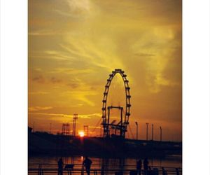 ferris wheel, singapore, and places image