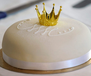 cake, crown, and white image
