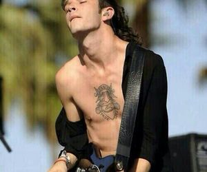 coachella, the 1975, and singer image