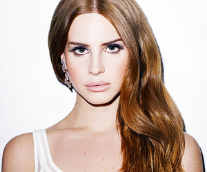red head and lana del rey image