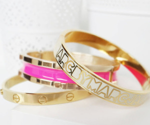 marc jacobs, bracelet, and gold image