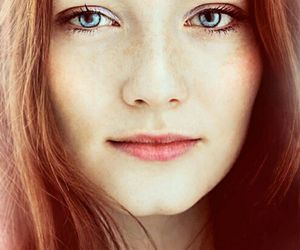 blue eyes, red blue green, and girl image