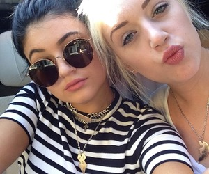 kylie jenner and friends image