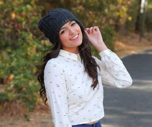 youtuber, bethany mota, and pretty image
