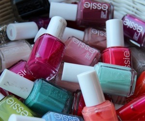colors, essie, and nails image