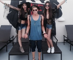 cody simpson and victoria justice image