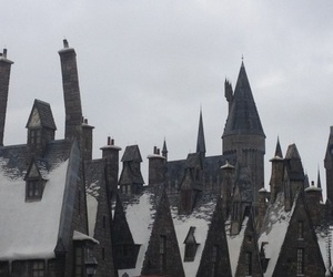 harry potter, hogwarts, and pale image