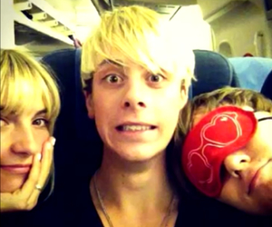 r5, riker lynch, and rydel lynch image