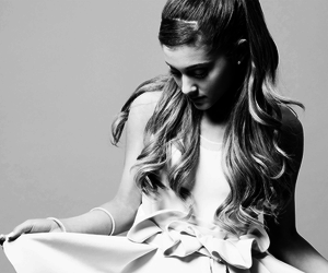 <3, celebrities, and ariana grande image