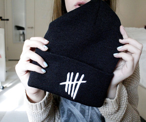 5sos, beanie, and 5 seconds of summer image