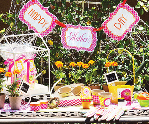 table setting and mothers day decoration image
