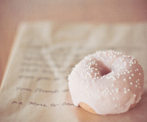 donut, dreamy, and photograph image