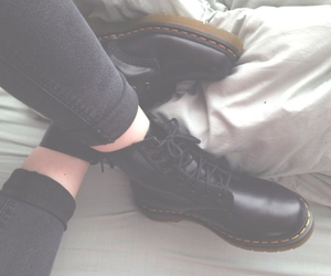 baby pink, grunge, and dr. martens image