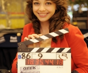 sarah hyland and geek charming image