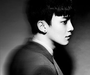 black, kpop, and Chen image
