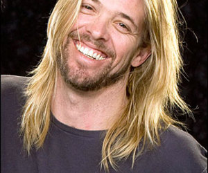 taylor hawkins and foo fighters image