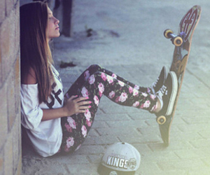 girls, skate, and hipster image