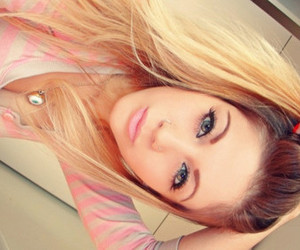 girl, pretty, and pink image