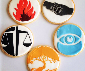 Cookies, insurgent, and divergent image