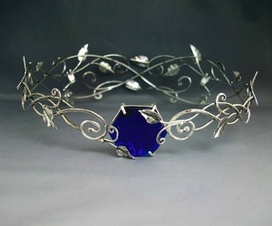 blue and crown image