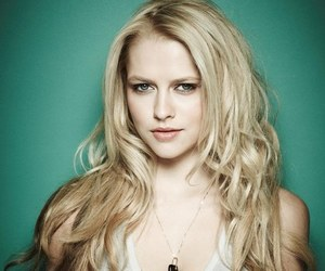 teresa palmer and blonde image