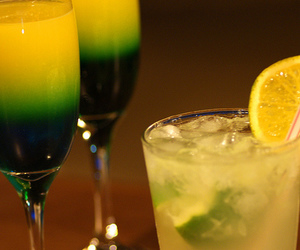 alcohol, bokeh, and drink image
