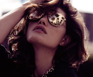 phoebe tonkin, sunglasses, and model image