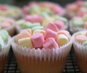 cupcake, marshmallow, and food image