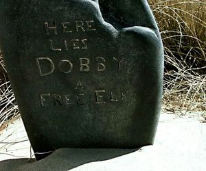 grave, harry potter, and dobby image