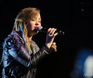 concert, demi, and sing image