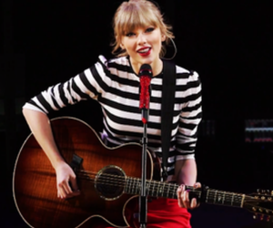 red, taylorswift, and smile image