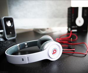 beats, headphones, and Dr Dre image