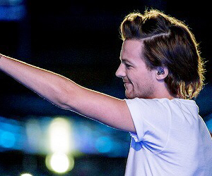 louis tomlinson, one direction, and colombia image