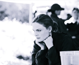 emily deschanel and temperance brennan image