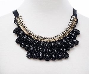 choker necklace, chunky necklace, and collar necklace image