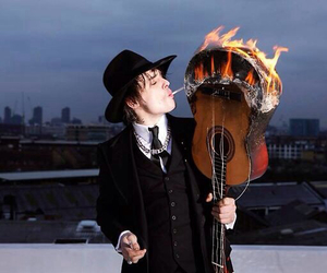 pete doherty and fire image