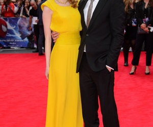 blanck and white, couple, and emma stone image