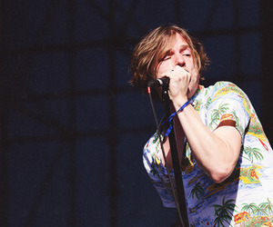 cage the elephant, matt shultz, and matthew shultz image