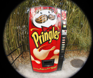 pringles and food image