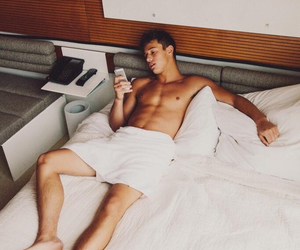 hipster, vine, and cameron dallas image