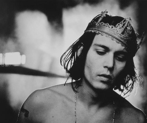 johnny depp, king, and black and white image