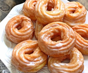 french and cruller image