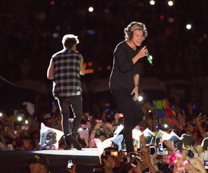 Harry Styles, niall horan, and harry image