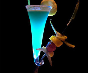 alcoholic drinks, mixed drink, and beverage image