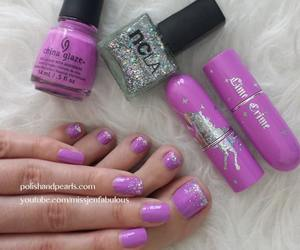 nails and sticker image
