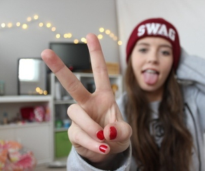 tumblr, swag, and beanie image