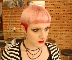 pink hair, pixie, and short haircuts image