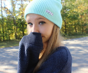 girl, tumblr, and beanie image